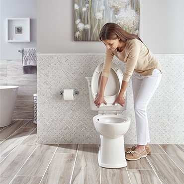 Tips for creating a virtually self-cleaning bathroom